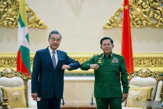 Trung Quốc từ chối lên án cuộc đảo chính ở Myanmar sau khi Ngoại trưởng Vương Nghị gặp Tổng Tư lệnh Aung Hlaing