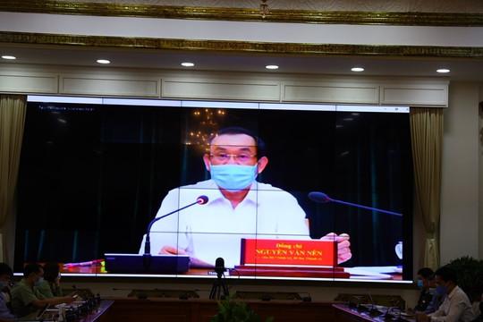 Bí thư TP.HCM: Chủ trương chống dịch nhưng không 'ngăn sông cấm chợ'