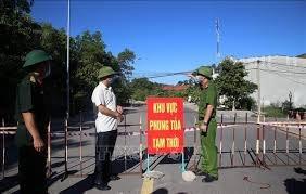 Chở 4 người Trung Quốc vượt chốt kiểm dịch COVID-19 ở Quảng Trị, tài xế bỏ trốn