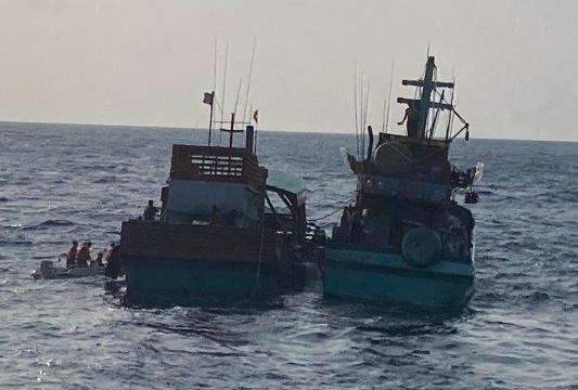 Kiên Giang: Cứu thành công tàu cá ở vùng biển Tây Nam, 3 thuyền viên thoát nạn