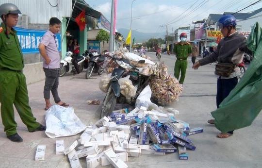 An Giang: Phát hiện cách mới 'ngụy trang' thuốc lá lậu
