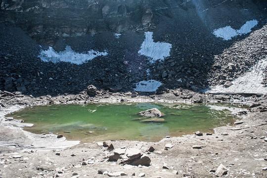 Bí ẩn 'hồ xương người' trên độ cao hơn 5.000 mét ở Ấn Độ