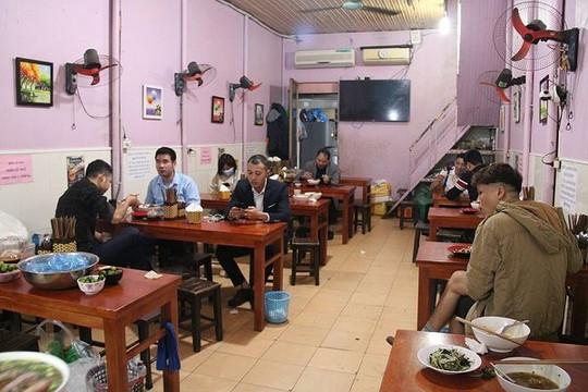 Hà Nội cho phép nhà hàng, cà phê mở cửa trở lại từ 2.3