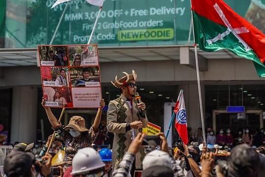 Đảo chính thúc đẩy sự đoàn kết dân tộc tại Myanmar