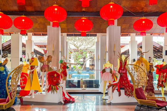 BST thời trang bằng giấy lấy cảm hứng từ 12 con giáp của 2 sinh viên Việt tại Singapore