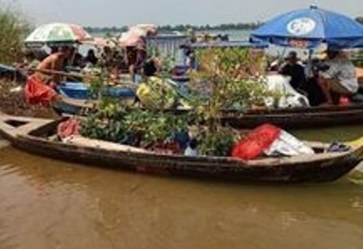 Ngăn chặn 35 người dùng ghe, vỏ lãi vượt sông nhập cảnh trái phép giữa mùa COVID-19