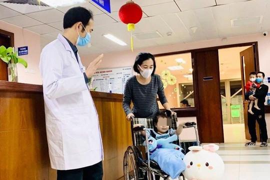 Bé gái rơi từ tầng 12A chung cư ở Hà Nội đã ổn định, xuất viện