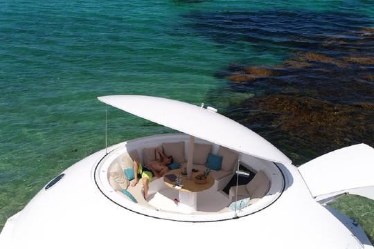 Thiết kế nhà nổi thân thiện môi trường đầu tiên trên thế giới lấy cảm hứng từ James Bond