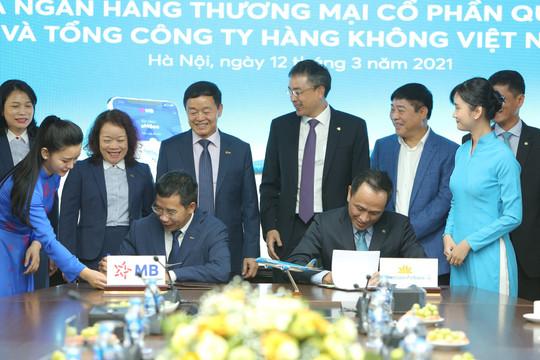 Vietnam Airlines và Ngân hàng TMCP Quân đội ký kết thỏa thuận hợp tác toàn diện