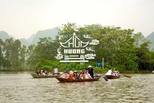 Chùa Hương mở cửa trở lại, 2 ngày đón hơn 3 vạn du khách