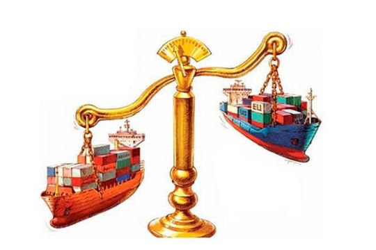 Việt Nam ghi nhận thâm hụt thương mại lần đầu từ tháng 4.2020: Ngân hàng Thế giới khuyến nghị gì giúp phục hồi kinh tế?