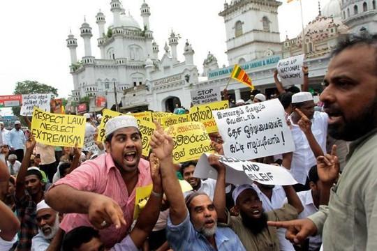 Bộ Công an Sri Lanka cấm mặc trang phục che mặt và đóng cửa 1.000 trường Hồi giáo