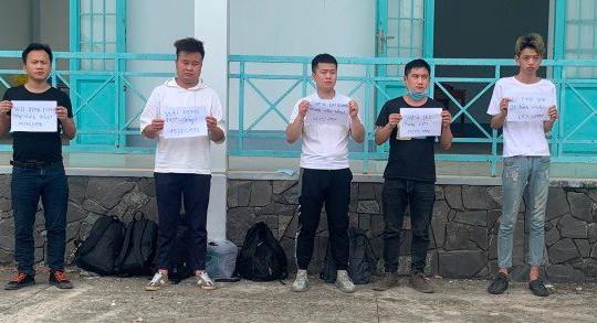 An Giang: Bắt 5 thanh niên Trung Quốc nghi vấn xuất nhập cảnh trái phép