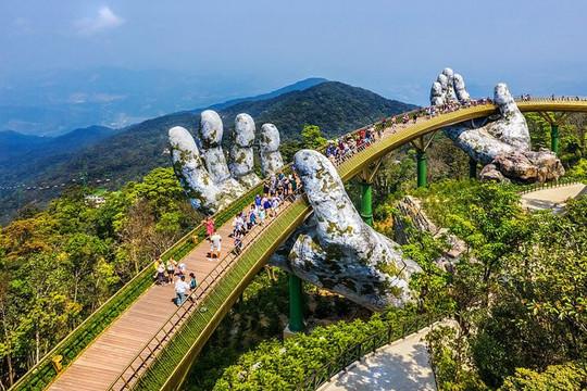 Cầu Vàng Đà Nẵng – top 9 kỳ quan đương đại của thế giới