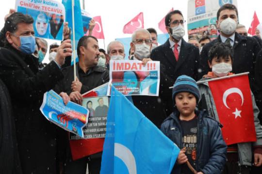 Biểu tình ở Thổ Nhĩ Kỳ  phản đối tình hình ở Tân Cương, Trung Quốc bác bỏ cáo buộc