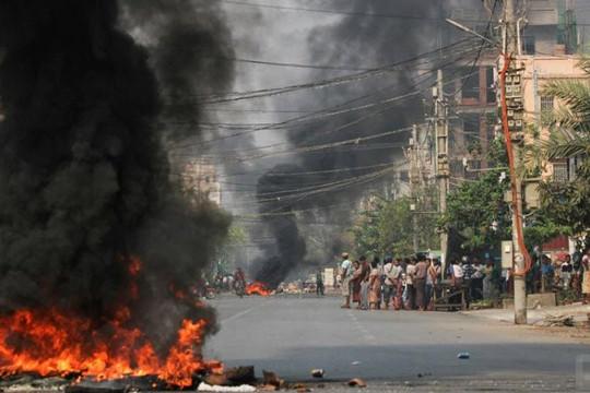 114 người biểu tình Myanmar chết trong Ngày Lực lượng Vũ trang, nhóm nổi dậy tấn công quân đội ở biên giới