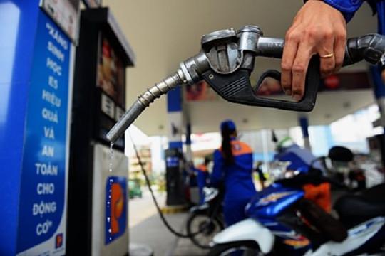 Giá xăng dầu tăng liên tục, có sợ hàng hóa khác 'té nước theo mưa'?