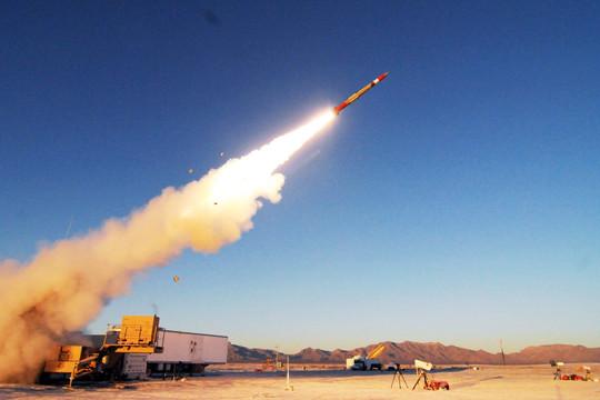 Đài Loan mua tên lửa phòng không Mỹ siêu khủng đề phòng Trung Quốc tấn công