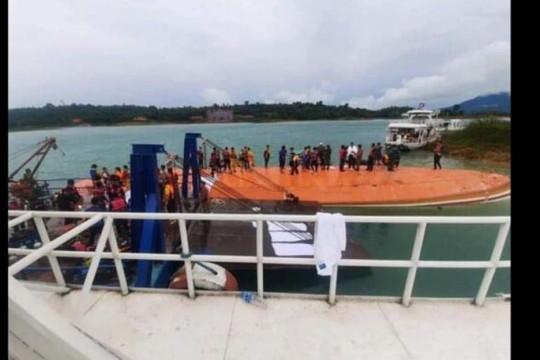 Cựu Tổng bí thư Lào được cứu sống trong vụ lật du thuyền