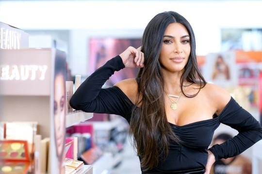 Kim Kardashian West, ngôi sao tai tiếng trở thành tỷ phú mới của Hollywood