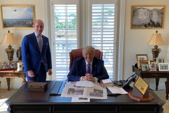 'Lộ' ảnh văn phòng làm việc mới của ông Trump