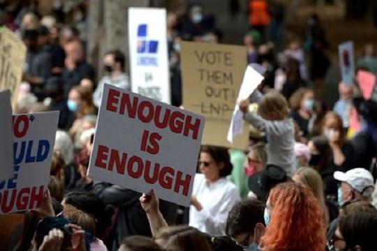 Úc quyết mạnh tay xử lý nạn quấy rối tình dục