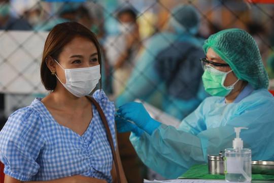 Thái Lan: Tháng 5 có thể ghi nhận hơn 28.000 ca nhiễm COVID-19 mỗi ngày