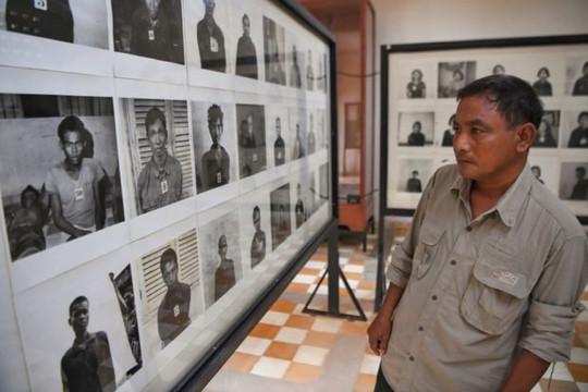 Trang Vice xin lỗi vì đăng ảnh chế nụ cười cho nạn nhân của Khmer đỏ