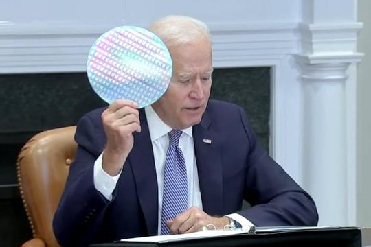 Ông Biden họp với CEO 19 công ty để khắc phục tình trạng thiếu chip, Intel hứa giúp các nhà sản xuất ô tô