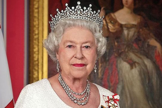 4 ngày sau khi Hoàng thân Philip qua đời, Nữ hoàng Anh tiếp tục công việc Hoàng gia
