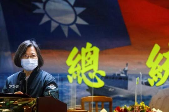 Trung Quốc nói 'diễn tập chiến đấu' khi 3 quan chức Mỹ đến Đài Loan, bà Thái Anh Văn thách thức