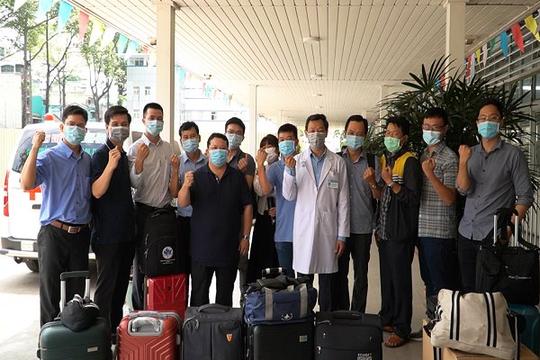 Bệnh viện Chợ Rẫy giúp Kiên Giang lập 2 bệnh viện dã chiến chống dịch COVID-19