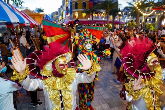 Siêu quần thể Phú Quốc United Center rực rỡ đón chào hàng vạn du khách ngày khai trương