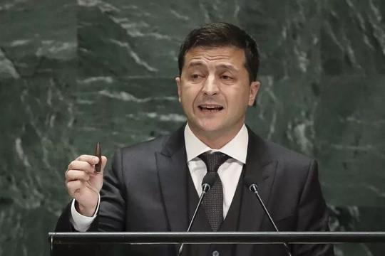 Tổng thống Ukraine Zelensky thề sẽ 'chiến đấu cho đến người cuối cùng'