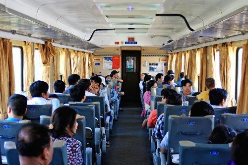 Giảm 10% vé tàu hỏa cho học sinh, phụ huynh đi thi và nhập học kỳ thi THPT 2021