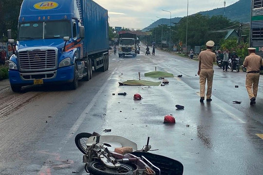 Tai nạn nghiêm trọng tại Đồng Nai khiến 3 người tử vong