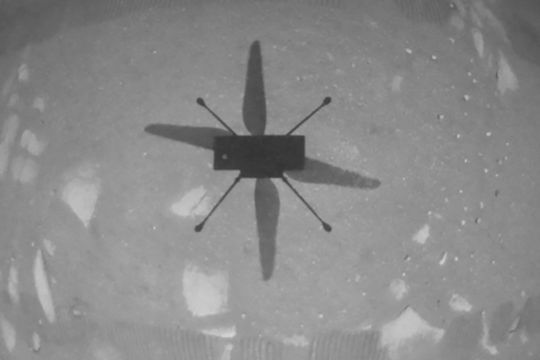 Trực thăng Ingenuity của NASA lập kỷ lục bay trên sao Hỏa