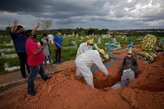 Một ngày 3.001 ca tử vong, lo ngại Brazil trở  thành tâm dịch mới