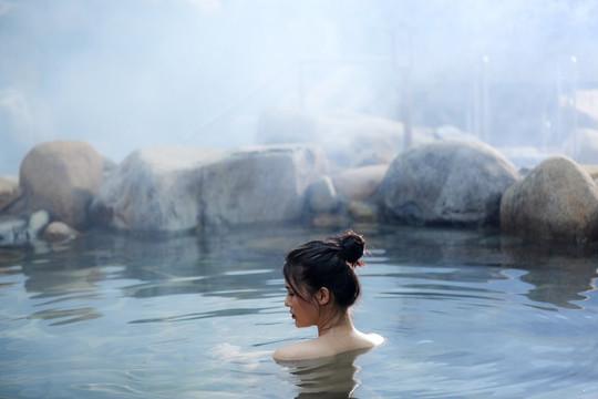 Học cách sống của người Nhật: đừng để khi ốm mới nghĩ tới onsen
