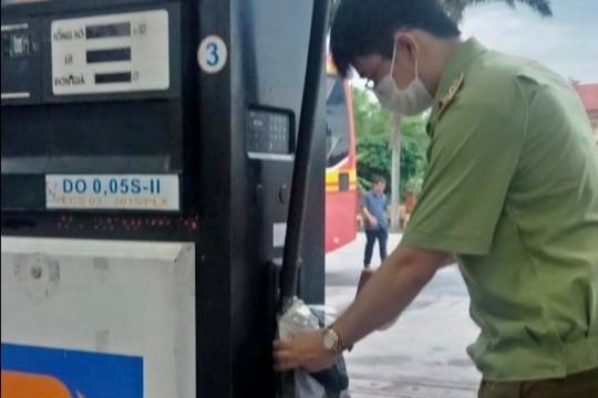 Chặn 20.000 lít dầu diesel dởm, ảnh hưởng nghiêm trọng đến thiết bị sử dụng