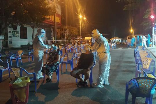 Đà Nẵng: Hơn 30 ca dương tính với COVID-19, cách ly y tế KCN An Đồn; tạm dừng hoạt động Trung tâm Y tế Liên Chiểu