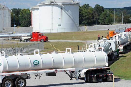 Đường ống dẫn nhiên liệu hàng đầu đóng, nhiều trạm hết xăng, mua hoảng loạn, chính quyền Biden trấn an