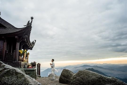 Đến Quảng Ninh đừng bỏ lỡ những quần thể tâm linh đẹp kỳ vĩ này