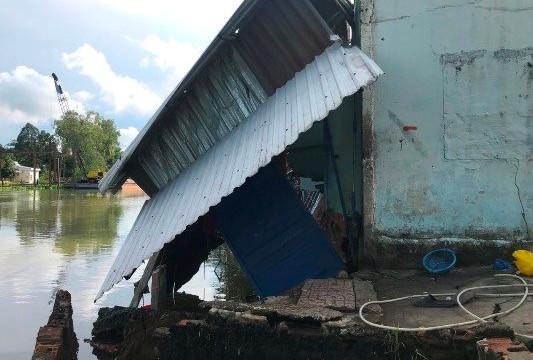 Cần Thơ: Liên tục sạt lở tại Q.Cái Răng khiến 4 hộ dân thiệt hại hàng trăm triệu đồng