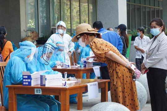 Đà Nẵng: Nhân viên y tế trường tiểu học mắc COVID-19, chưa rõ nguồn lây