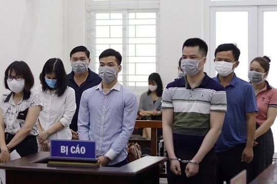 Đưa doanh nhân 'rởm' trốn lại Hàn Quốc, hàng loạt bị cáo lĩnh án