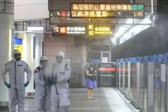Số ca COVID-19 ở Đài Loan tăng đột biến, bà Thái Anh Văn tìm cách thoát quỹ đạo kinh tế với Trung Quốc