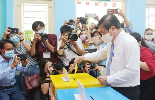 Chủ tịch UBND TP.HCM Nguyễn Thành Phong bỏ phiếu tại TP.Thủ Đức