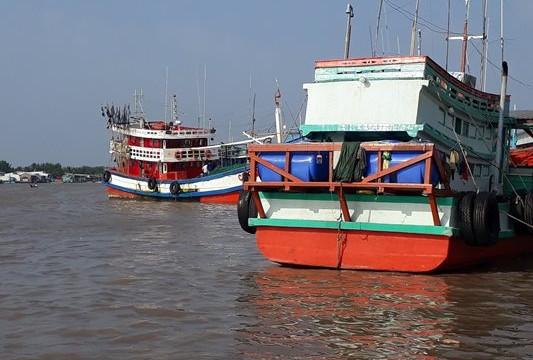 Cà Mau: Kịp thời cứu vớt 9 ngư dân gặp nạn trên biển