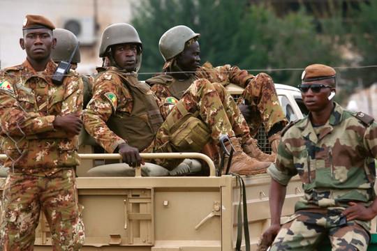 Mali trên bờ vực thành Myanmar thứ 2 khi quân đội bắt giam cả Tổng thống và Thủ tướng